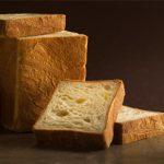 材料を知り尽くした、洋菓子店ならではの「クロワッサン食パン」