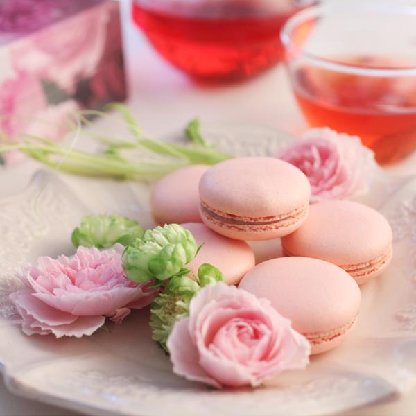 花咲くローズマカロン