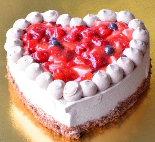 ハートのショコラベリーショートケーキ 直径18cm6号サイズ相当
